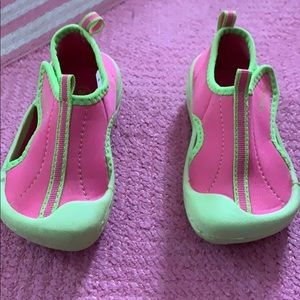 Pink toddler water shoes! Med size!